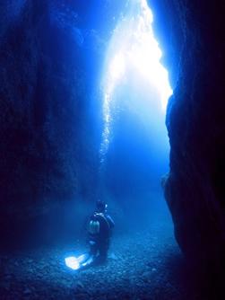 青海島 青の洞窟